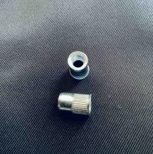 Клепальная гайка бонка 6,0х2,5 с потайной головкой рифленая D9 (Упак.-10шт)